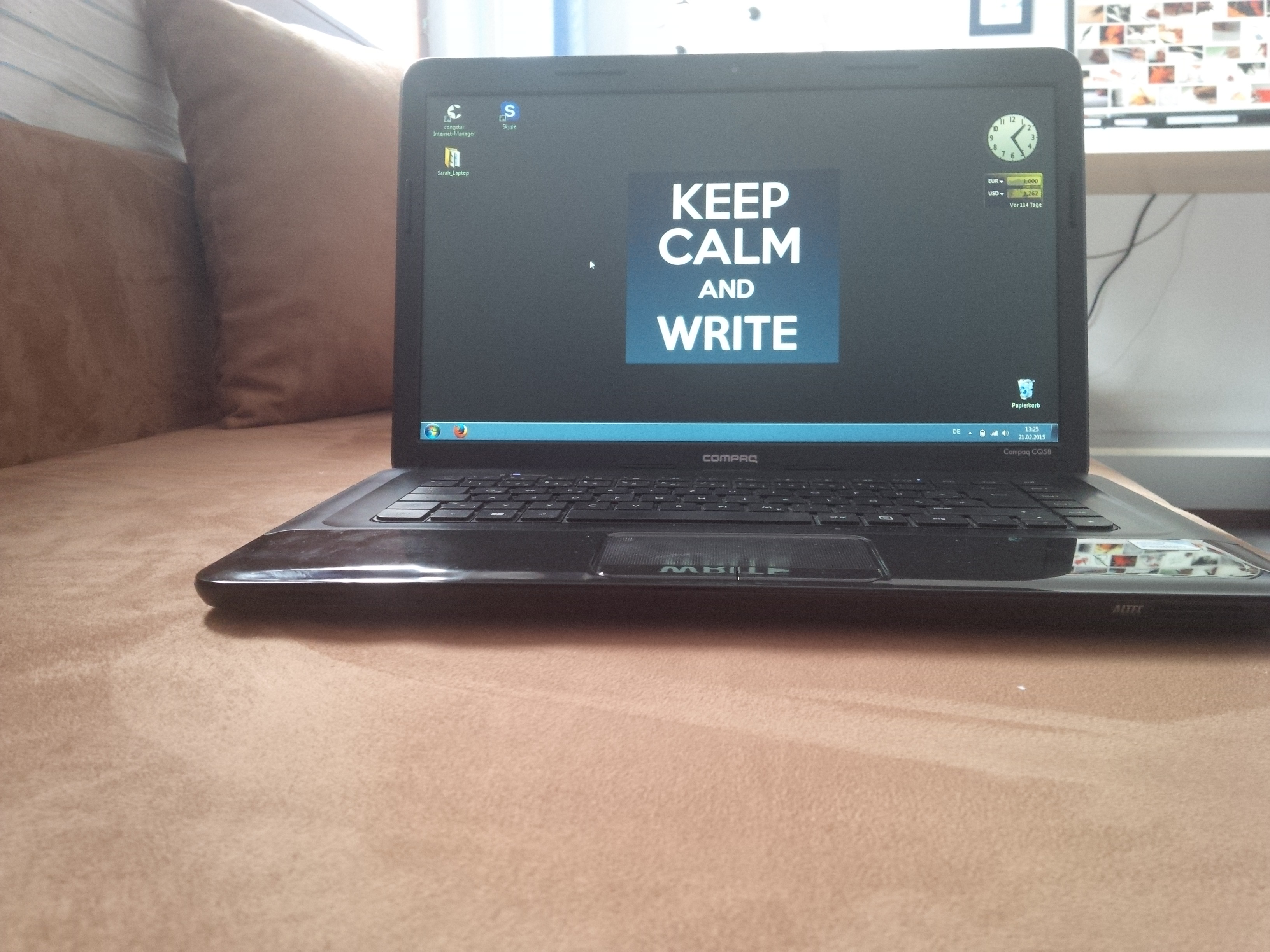 Laptop Keep calm and write